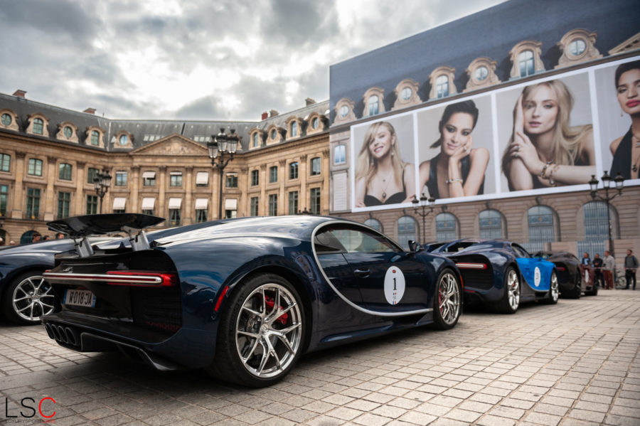 Line Up de Bugatti Chiron sur la plus belle place de Paris