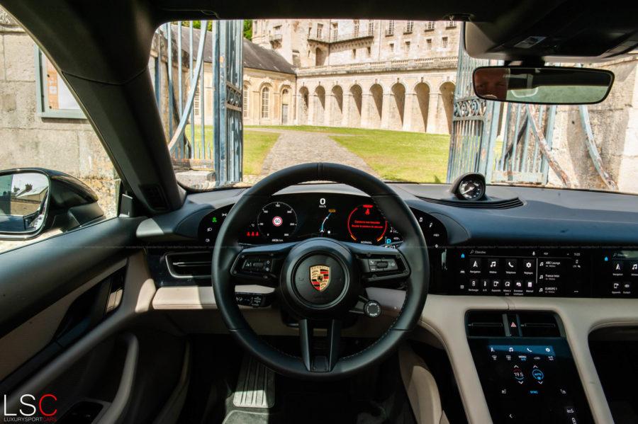 Intérieur et options Porsche Taycan 471ch