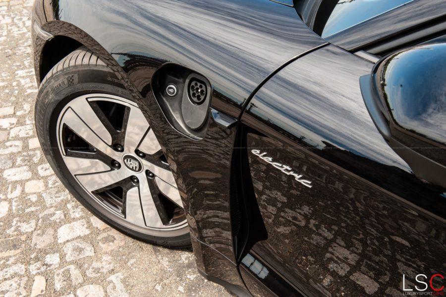 Porsche Taycan 471ch, Porsche 100% électrique